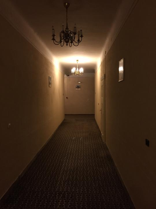 569e85c25ead1_2015-09-101900HotelFlur.th