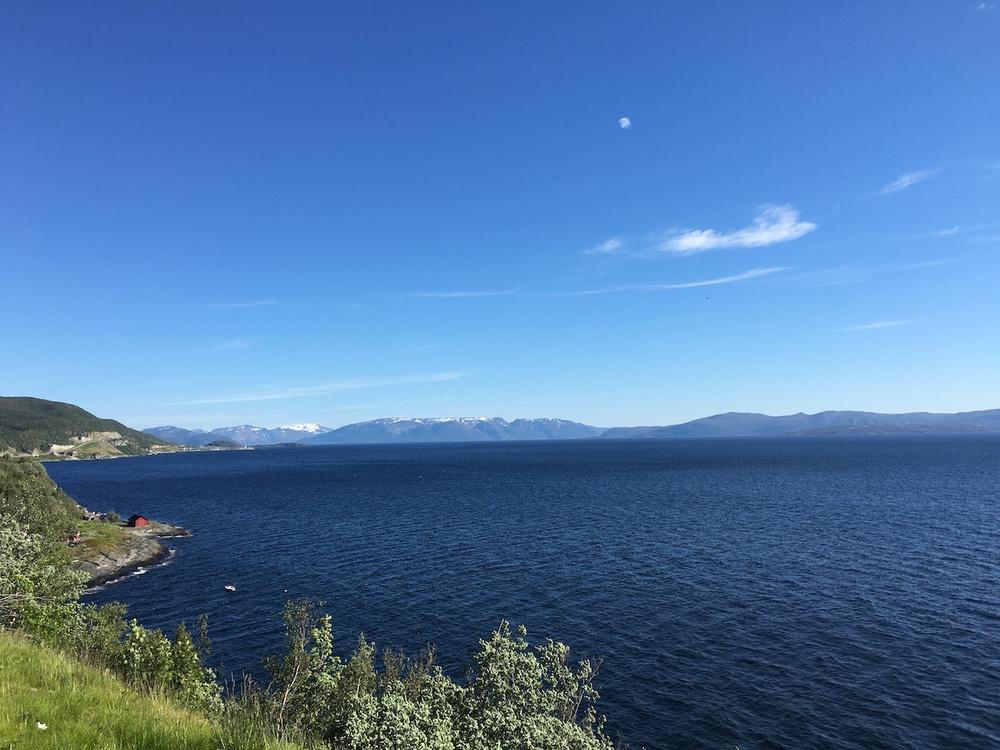 2016-06-27_0830_Norwegen_Kuestenlinie_02.JPG